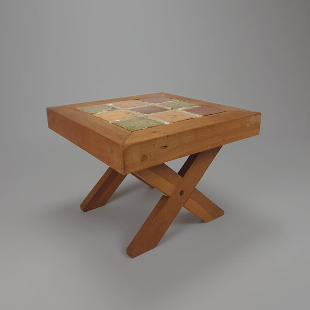 Modernist sidetable